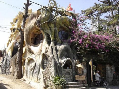 crazy-house-dalat-vietnam